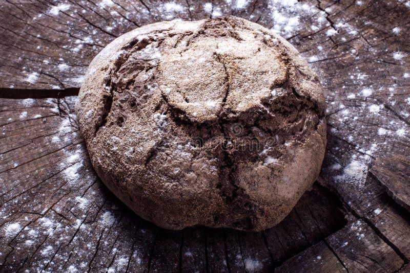 Brood op het hout stock foto