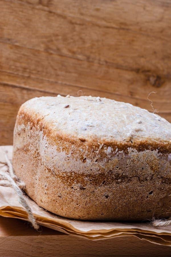 Brood van brood bij de steun van document royalty-vrije stock afbeeldingen