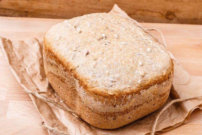 Brood van brood bij de steun van document stock foto's