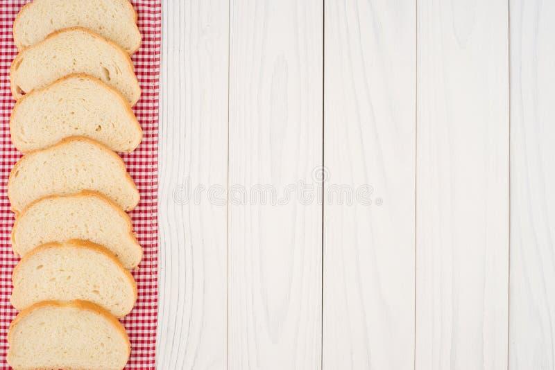 Brood van brood op een houten lijst royalty-vrije stock afbeelding