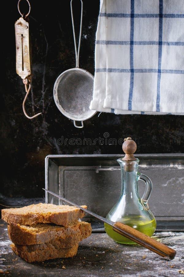 Download Brood Van De SliÃ` Het E-n Eigengemaakte Rogge  Stock Afbeelding - Afbeelding bestaande uit cooking, bakkerij: 54080751