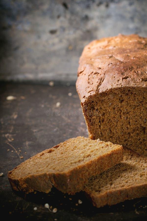 Download Brood Van Eigengemaakt Roggebrood Stock Afbeelding - Afbeelding bestaande uit bakkerij, gebakken: 54076661