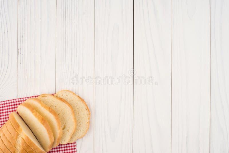 Brood van brood op een houten lijst royalty-vrije stock fotografie