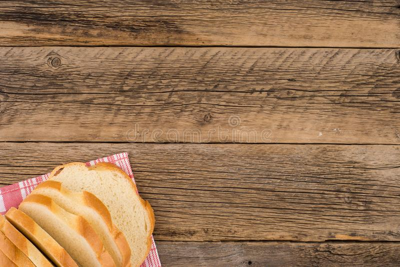 Brood van brood op een houten lijst royalty-vrije stock foto's