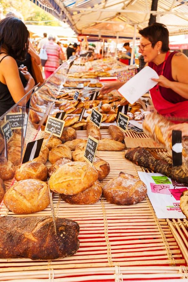 Broodbox bij de markt in Nice frankrijk stock fotografie