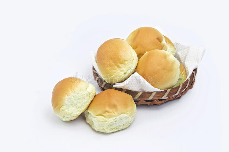 Broodbroodje en mand stock foto's