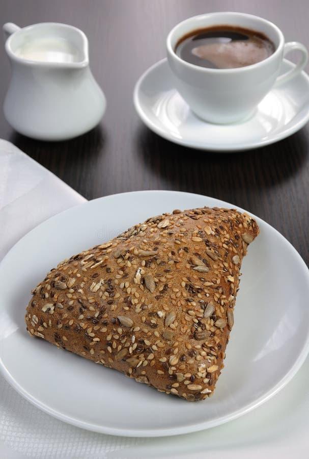 Broodje met graangewassen royalty-vrije stock afbeelding