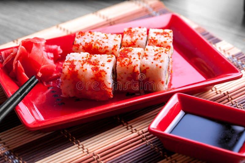 Broodje met rode kaviaar op bovenkant royalty-vrije stock afbeelding