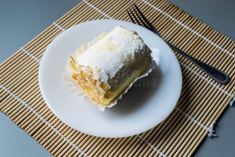 Broodjescake met amandel royalty-vrije stock afbeeldingen