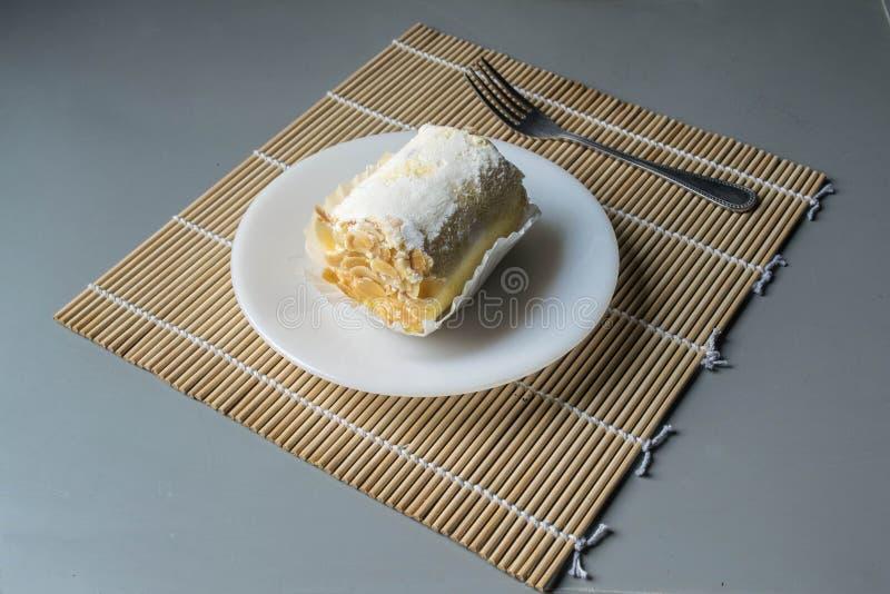 Broodjescake met amandel stock fotografie