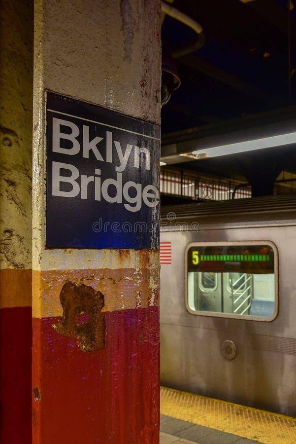 Brooklyn-Brücken-U-Bahnstation - New York City stockfotografie