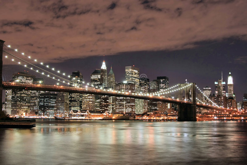 Brooklyn Bridge At Night stock images