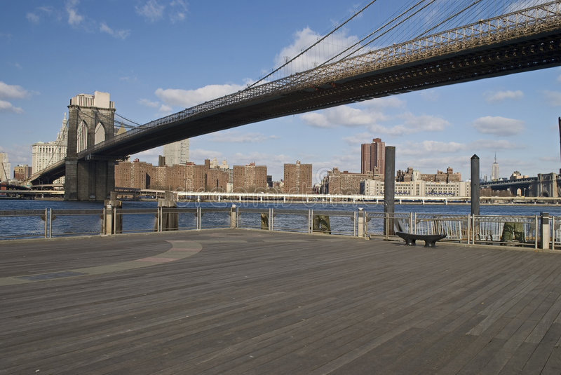 Brooklyn Bridge over East River royalty free stock photos