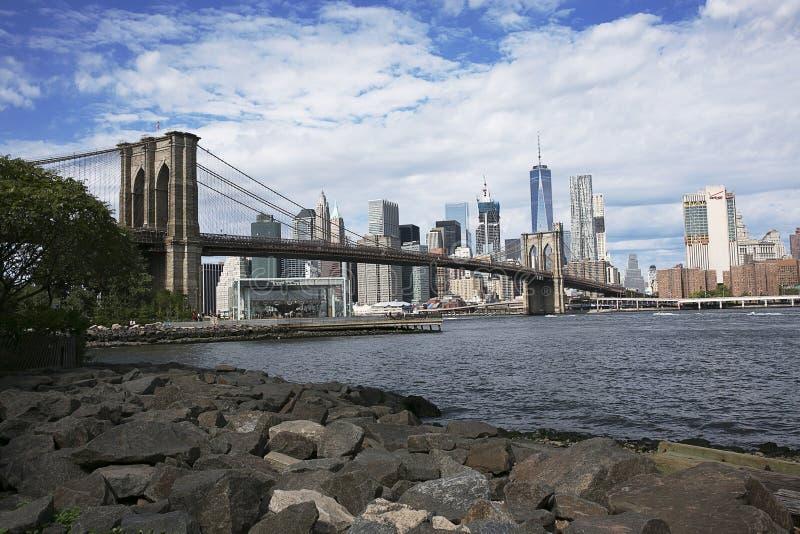 Brooklyn bro med horisont arkivfoton