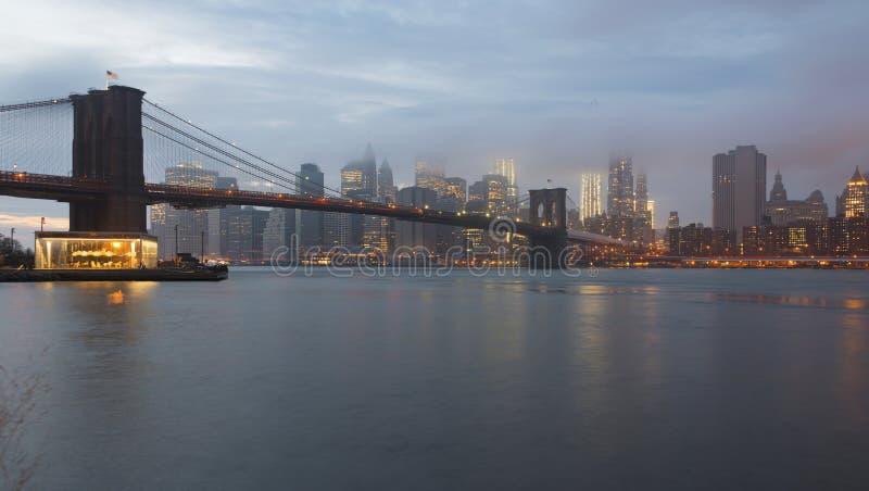 Brooklyn bro och Lower Manhattan, New York fotografering för bildbyråer