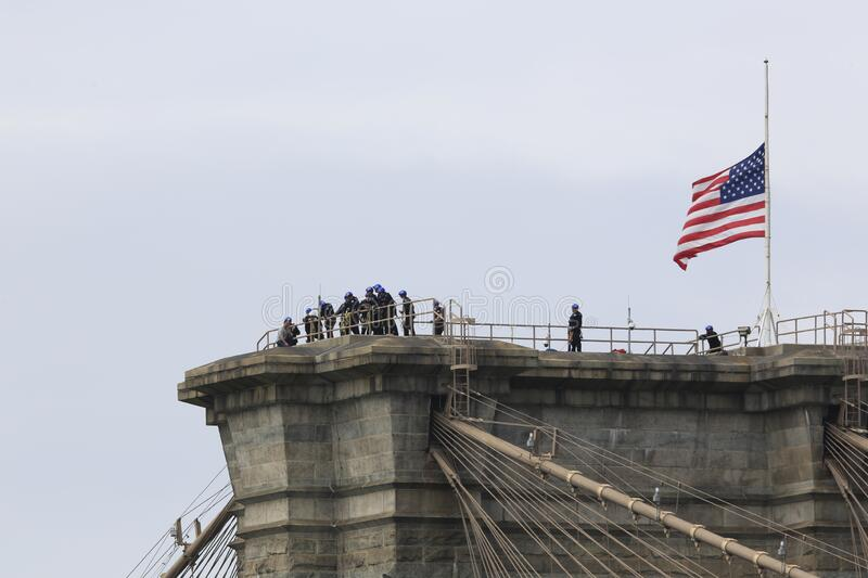 NYPD rescues man who climbed to top of Brooklyn Bridge royalty free stock image
