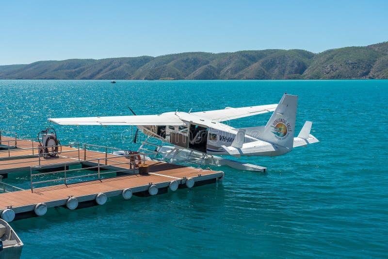 Broome, WA, Australia - hydroplan parkujący na wodzie obrazy royalty free