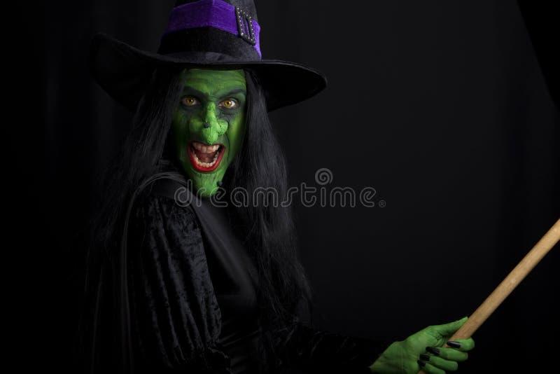 broomstick zła czarownica zdjęcia stock
