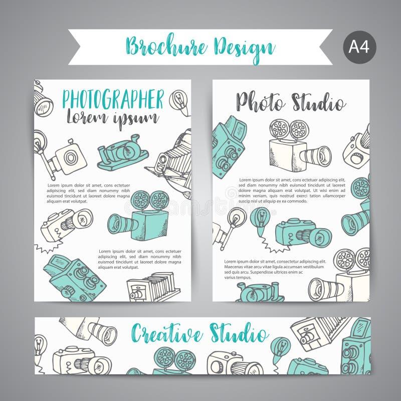 Broschyruppsättningen med foto- och videodesign i klotter utformar Tema för vektorillustrationfotografi för annons stock illustrationer