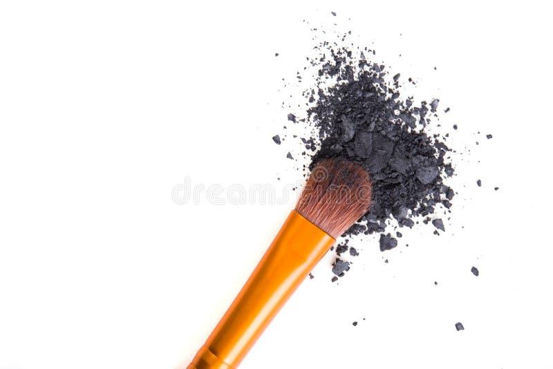 Download Brosse Professionnelle De Maquillage Et Fards à Paupières Lâches De Poudre D'isolement Image stock - Image du orange, rougissez: 77151027