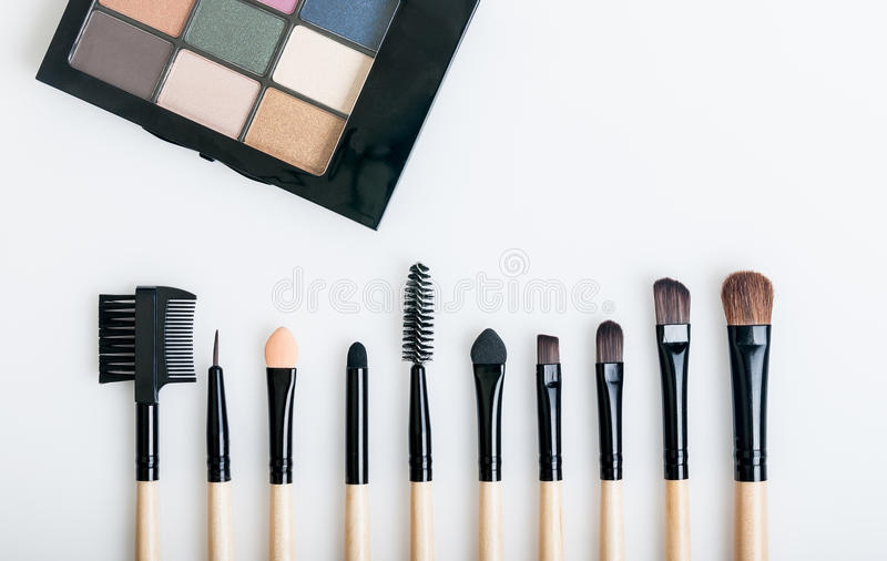 Brosses de maquillage image libre de droits