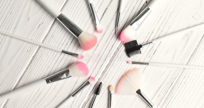 Brosses pour le maquillage en cercle photos libres de droits
