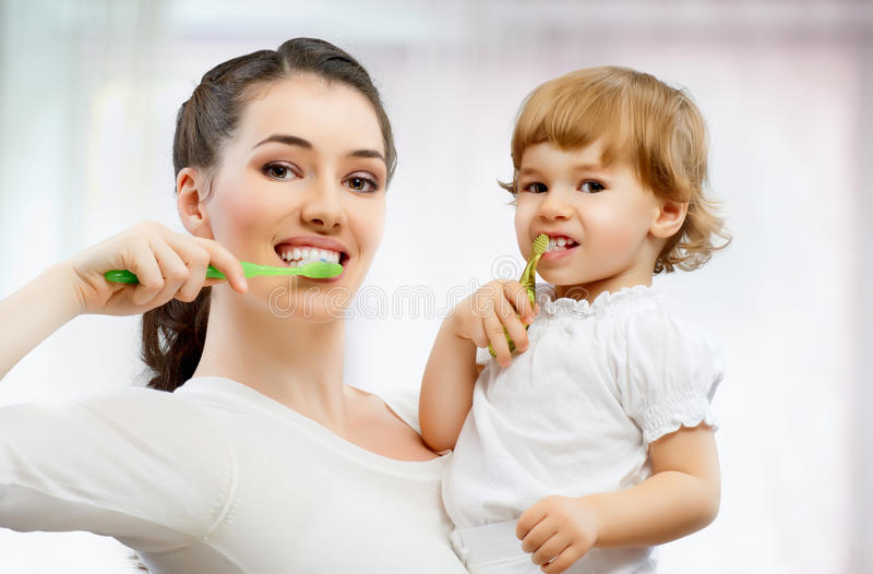 Brossez-vous les dents image libre de droits