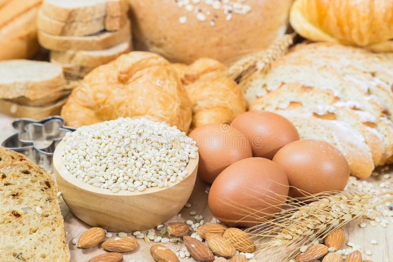 Brot- und B?ckereiprodukte lizenzfreie stockfotos