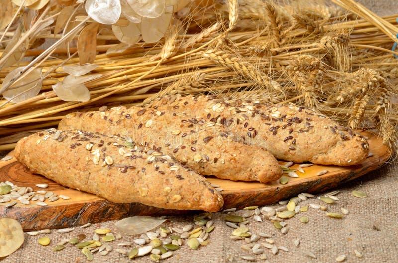 Brot- und Getreidesamen lizenzfreie stockbilder