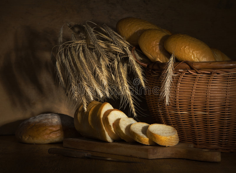 Brot und Weizen lizenzfreie stockfotos