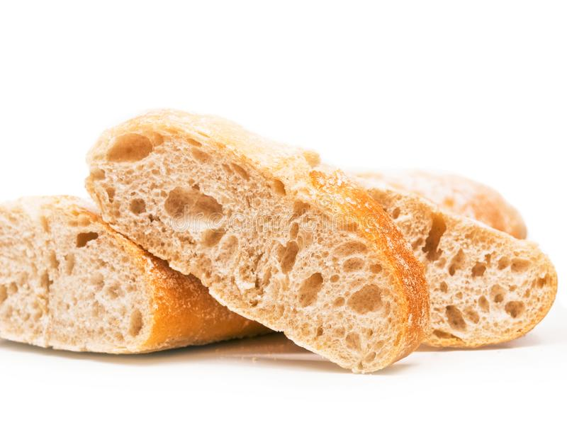 Brotscheiben und ein Brotlaib lizenzfreies stockbild