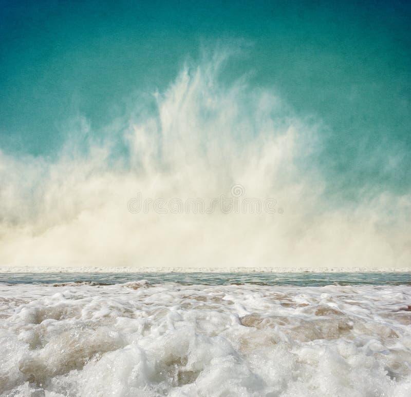 Brouillard et ressac photo stock