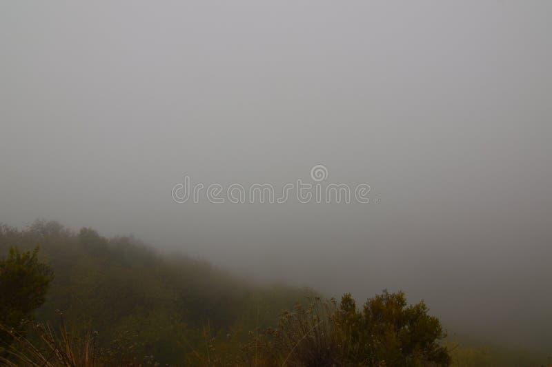 Brouillard qui rappelle le jour antique de Medulas Roman Gold Mine In A avec beaucoup de brouillard dans le Medulas Nature, voyag image libre de droits