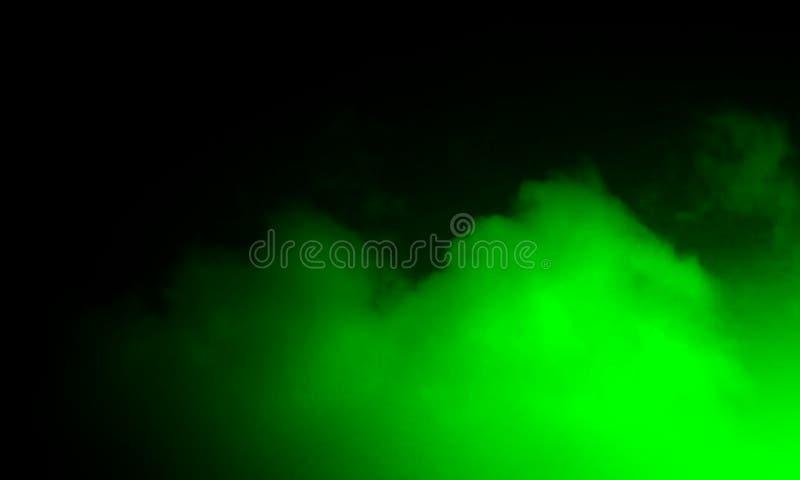 Brouillard vert abstrait de brume de fumée sur un fond noir photographie stock libre de droits