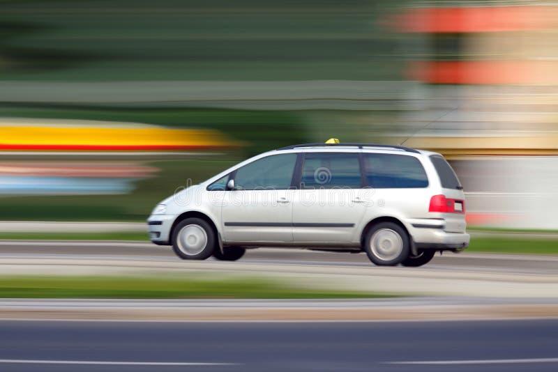 Brouillez le taxi photos libres de droits