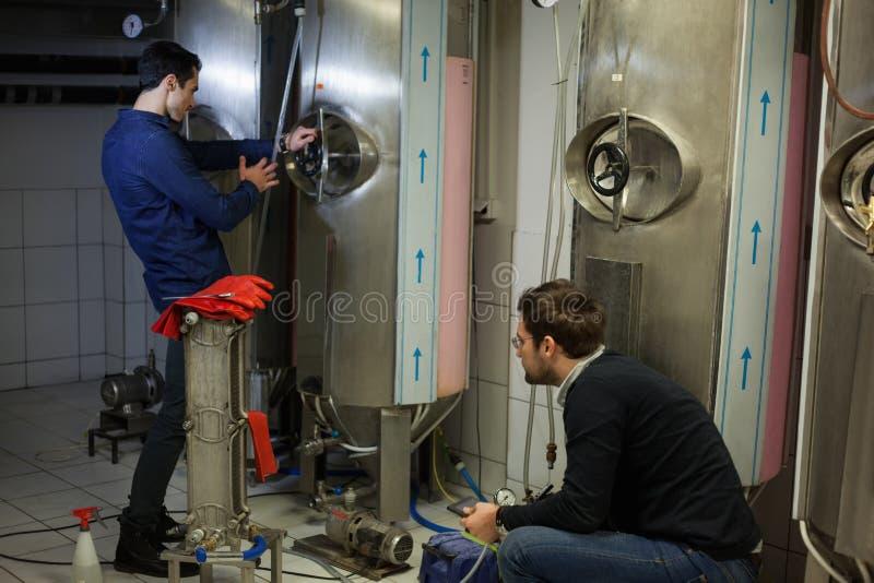 In Brouwerij stock afbeeldingen