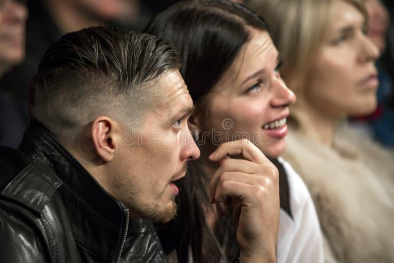 Brovary Украина, 14 11 2015 чемпион cruiserweight WBO, Usyk сидит как зритель в аудитории стоковое фото rf