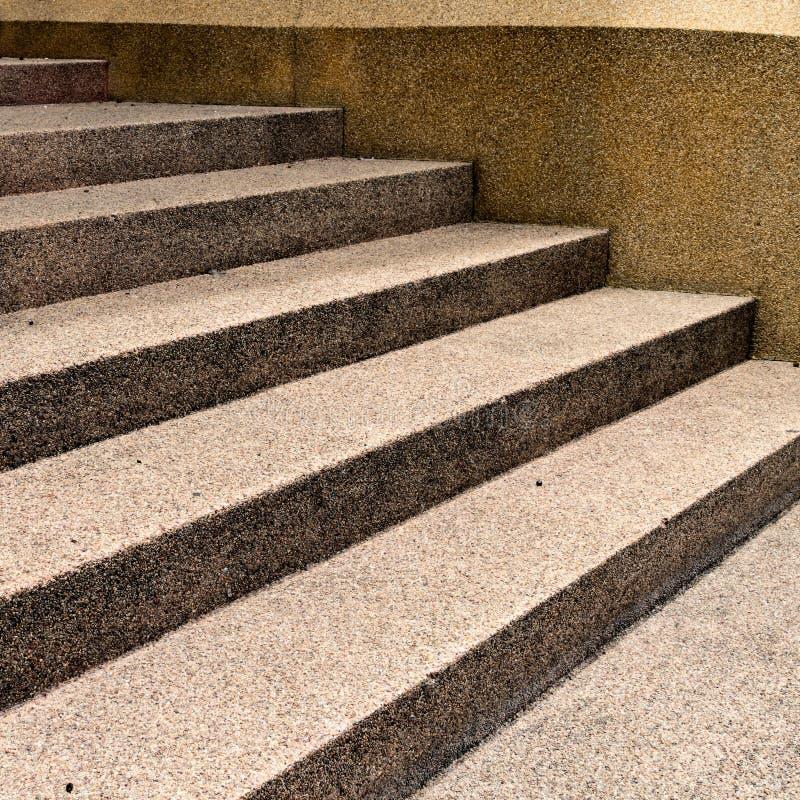 Brown beton z małym żwiru schody obrazy royalty free