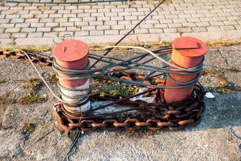 Brown cleat dla statków i łodzi, kępki arkana zdjęcia stock
