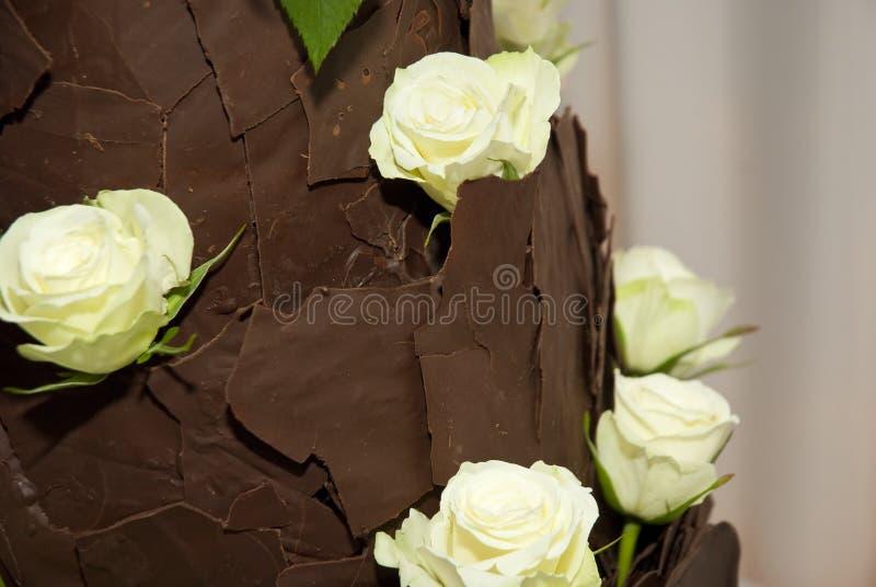 Brown czekoladowy ślubny tort fotografia royalty free