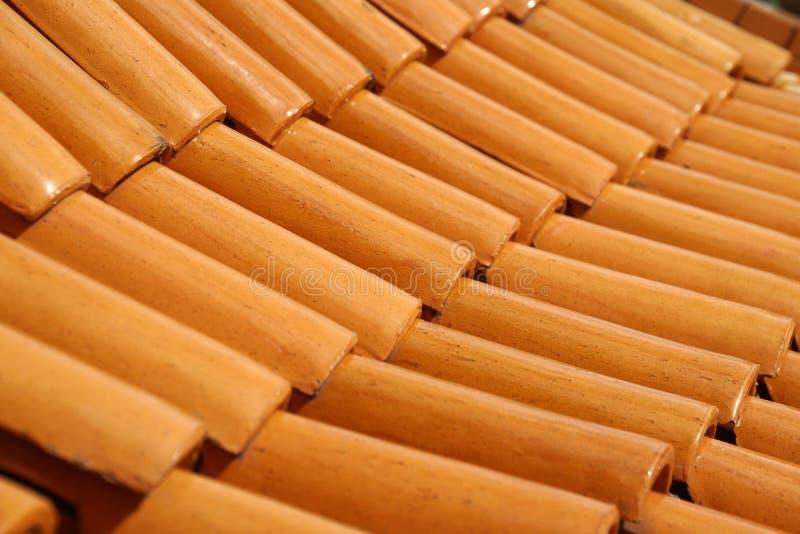 Brown dachowej płytki wzoru tajlandzki dom zdjęcie stock