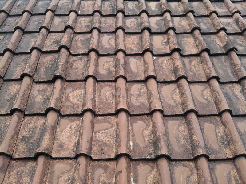 Brown-Dachplattemuster lizenzfreies stockbild