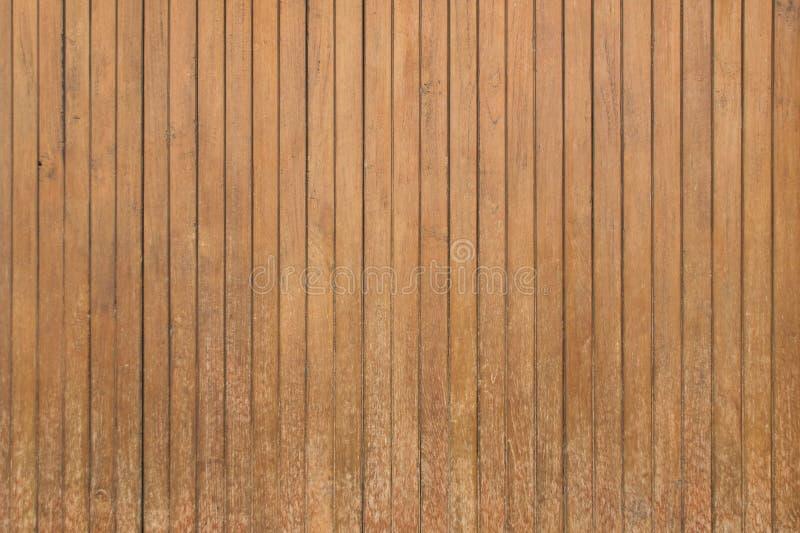 Brown drewna ściany tekstury pionowo stary tło obrazy stock