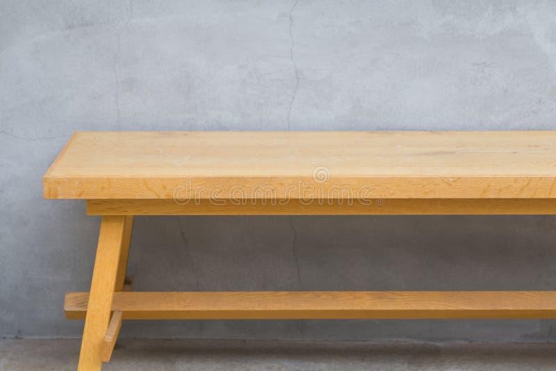 Brown drewniana ławka zdjęcia stock