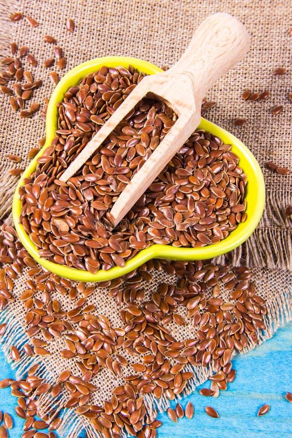 Brown flaxseed, żywność organiczna dla zdrowego łasowania fotografia stock