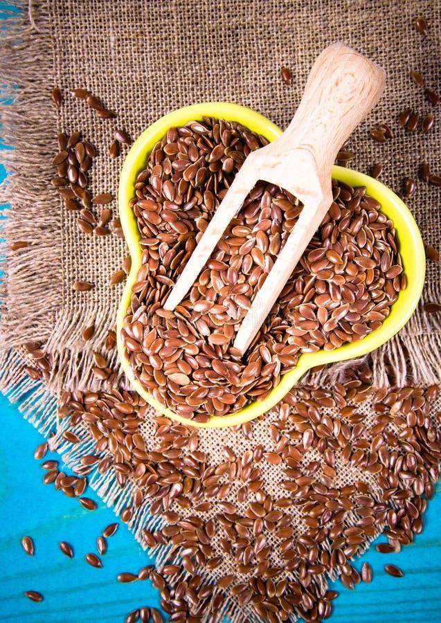 Brown flaxseed, żywność organiczna dla zdrowego łasowania fotografia royalty free