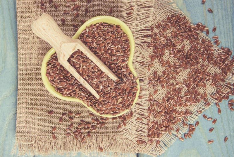 Brown flaxseed, żywność organiczna dla zdrowego łasowania obraz stock