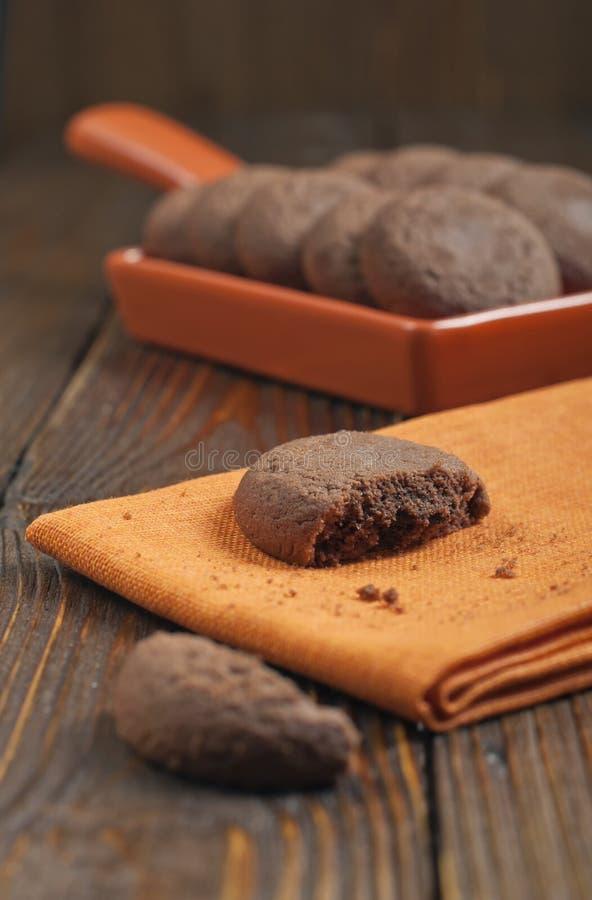 Brown gebrochener Keks stockbilder