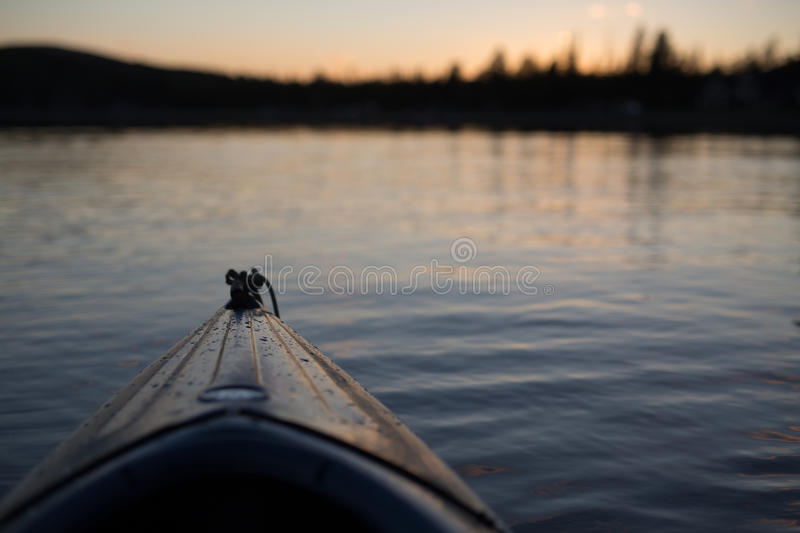 Brown Kayak In A Body Of Water Free Public Domain Cc0 Image