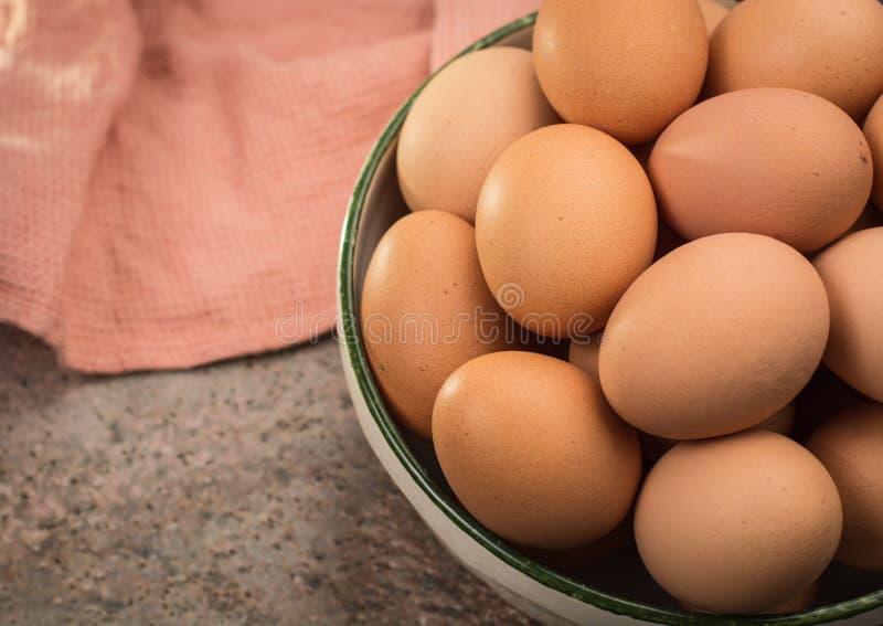 Brown kurczaka bezpłatni jajka fotografia stock